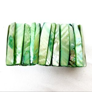 Vintage green abalone shell bracket cuff stretchy